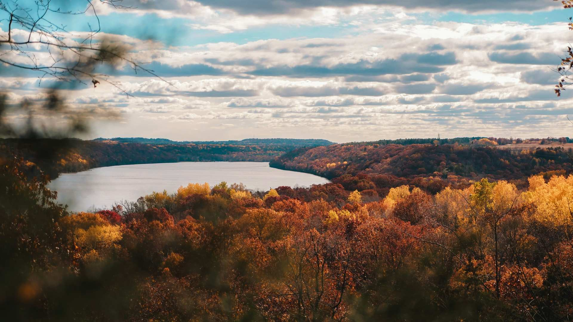 Scenic Drives in Minnesota: 6 Stunning Byways in The North Star State